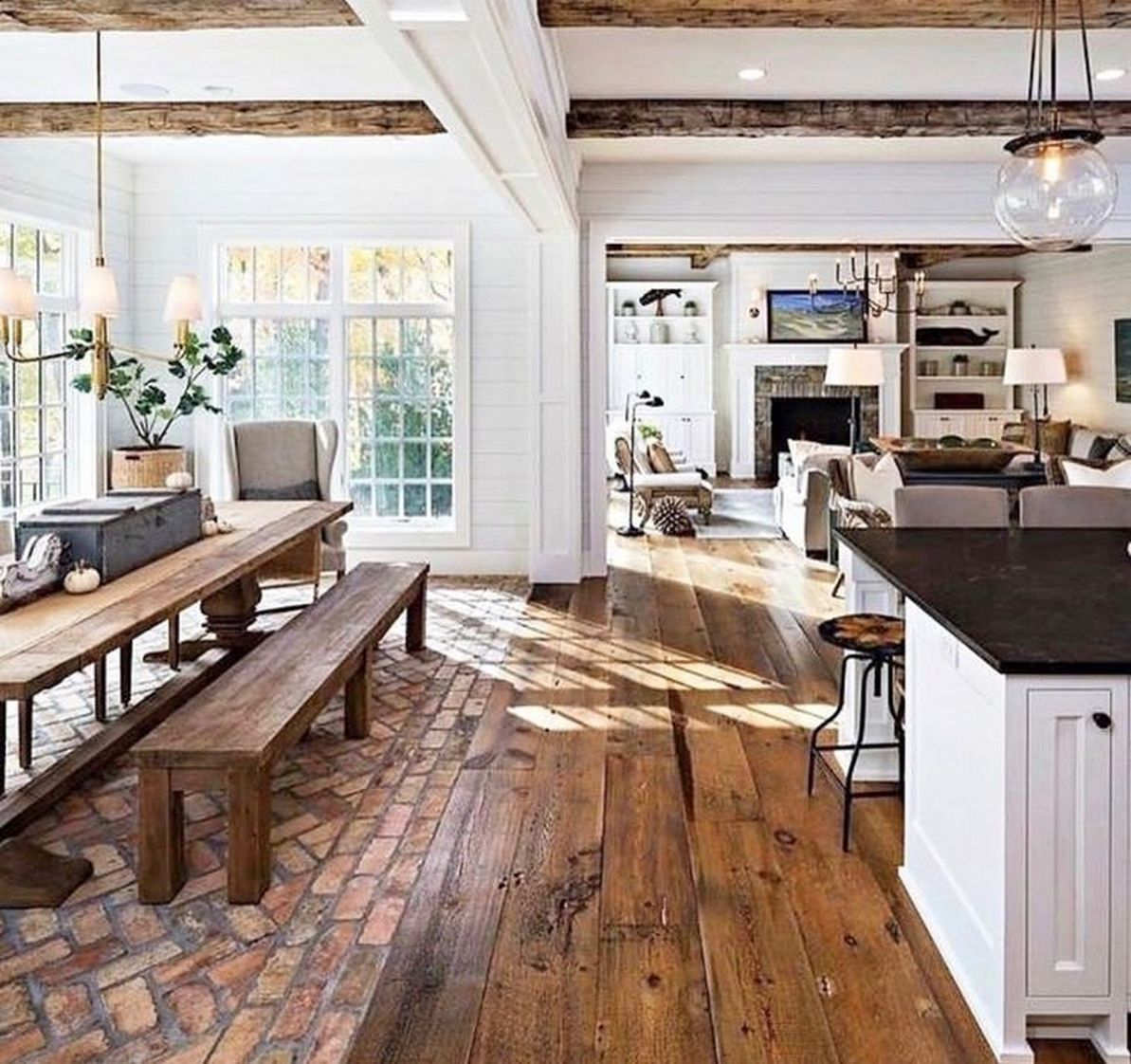 Traditional Kitchen With Amazing Storage