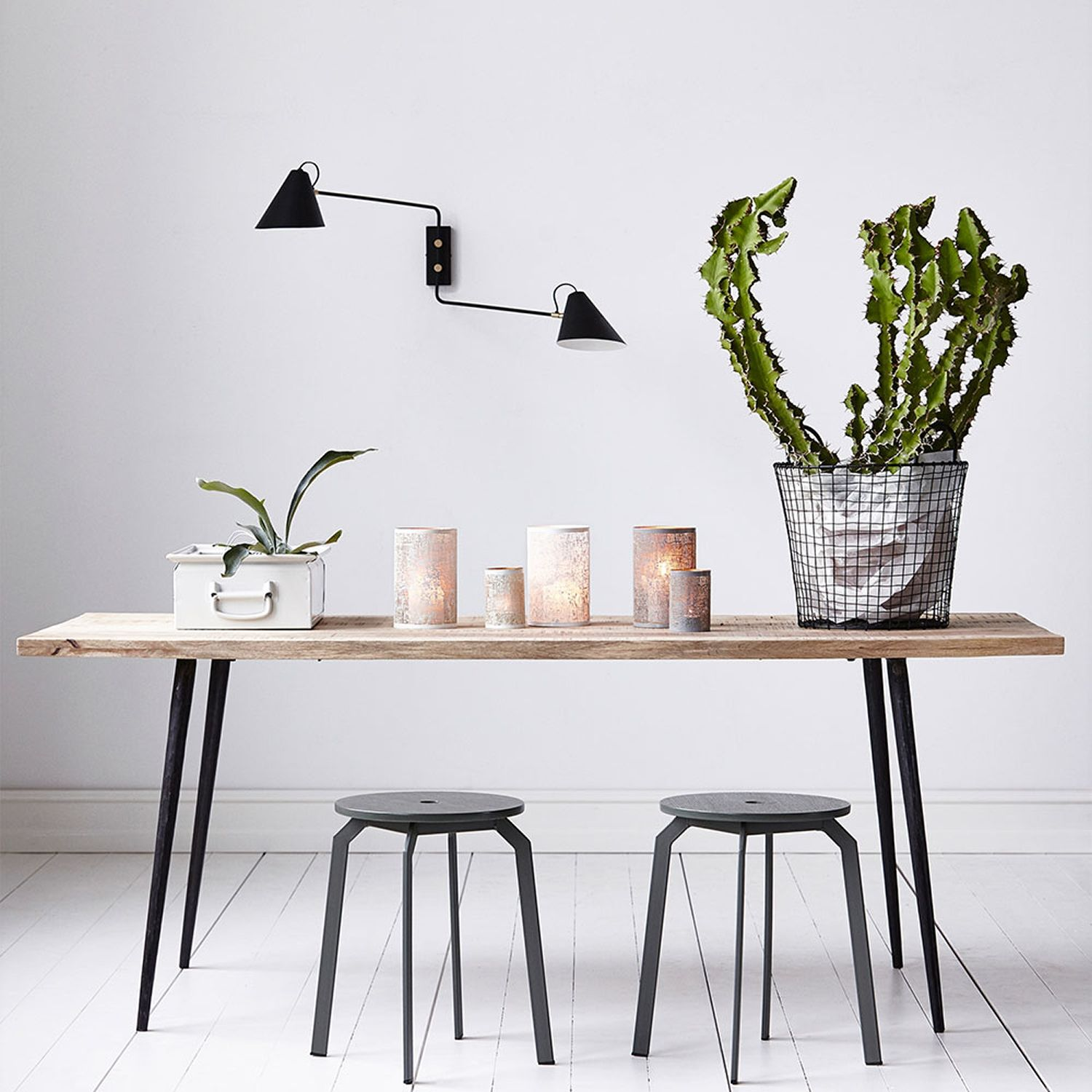 15 Zoom on ultra design stools for the kitchen